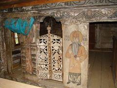 Biserica_de_lemn_Sf.Arhangheli_din_Libotin_(13)